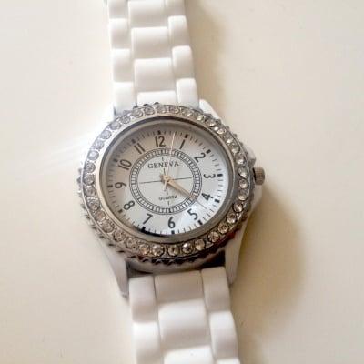 Силиконов часовник с кристали