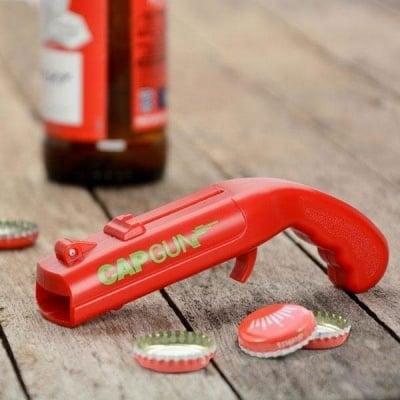 Отварачка за бутилки изстрелваща капачката