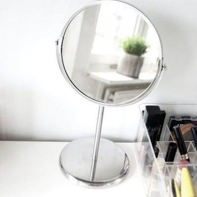 Малко огледало за гримиране