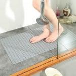 Антихлъзгаща подложка за баня